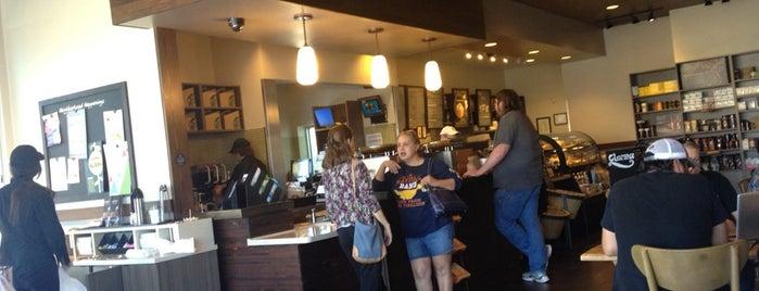Starbucks is one of Posti che sono piaciuti a Veronica.