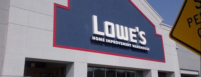 Lowe's is one of Lieux qui ont plu à Rick.