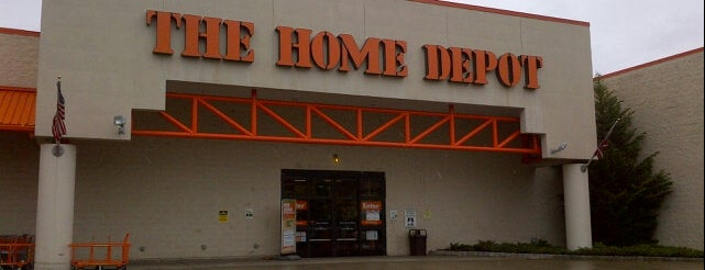 The Home Depot is one of Marioさんのお気に入りスポット.