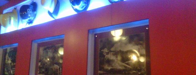 Café Mezzanine is one of Binondo Places to Try.