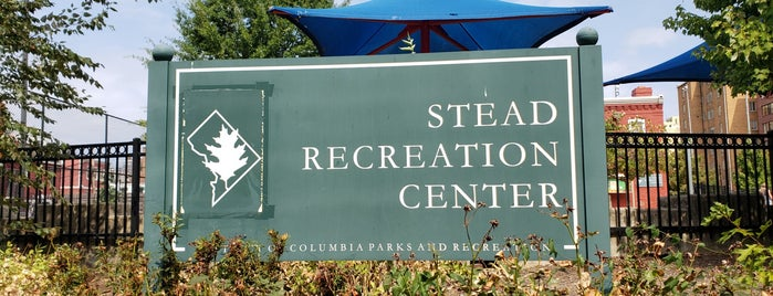 Stead Recreation Center is one of Tempat yang Disukai Bob.