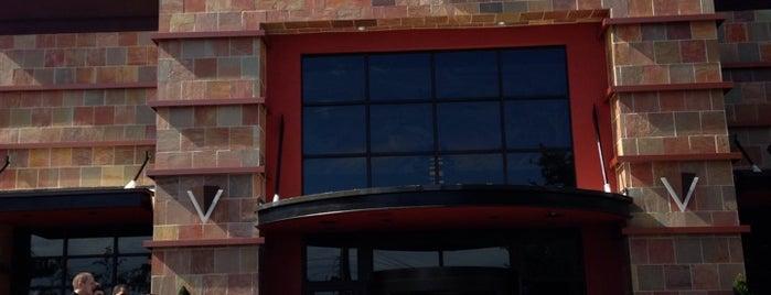 BJ's Restaurant & Brewhouse is one of Posti che sono piaciuti a Daniel.