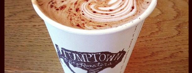Stumptown Coffee Roasters is one of Lugares favoritos de carrie.