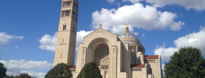 Basilica Of The National Shrine Of The Immaculate Conception is one of Tempat yang Disukai Bridget.