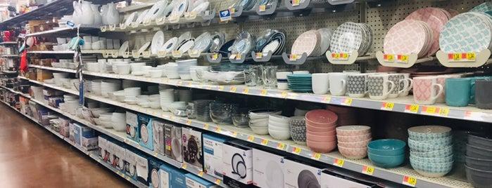 Walmart is one of Demetria 님이 좋아한 장소.