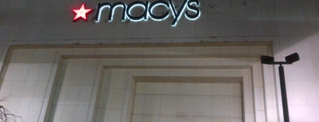 Macy's is one of Gregory 님이 저장한 장소.
