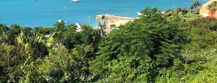 Bay Side Grill at Grotto Bay Beach Resort is one of Angela'nın Beğendiği Mekanlar.