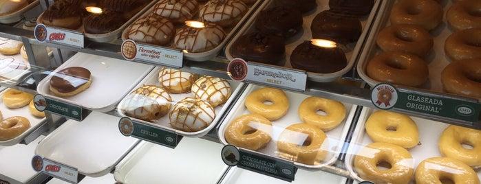Krispy Kreme is one of สถานที่ที่ Ismael ถูกใจ.