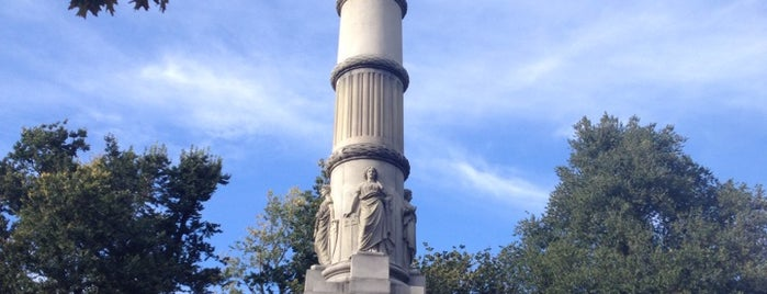 Soldiers and Sailors Monument is one of Boston.