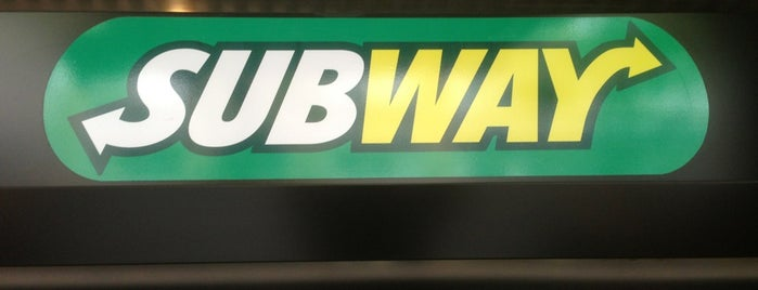 Subway is one of Locais curtidos por Anna.