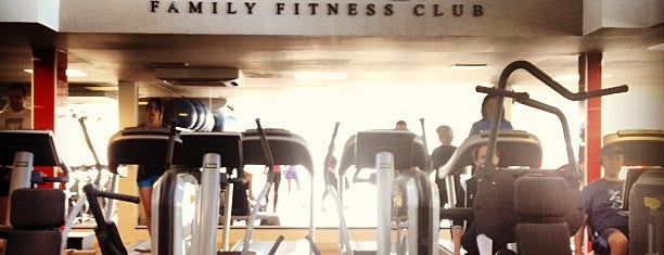 Unique Family Fitness Club is one of Lugares favoritos de Olga.
