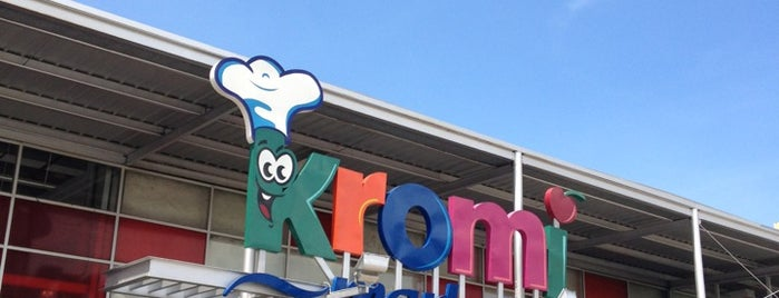 Kromi Market is one of Angelさんの保存済みスポット.