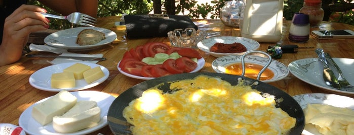Ayşe Abla'nın Yeri is one of Kahvaltı.