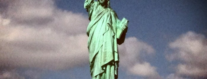 Estatua de la Libertad is one of If I ever go back to New York.