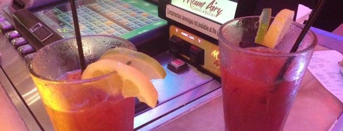 The Glassbar at Mt. Airy Casino & Resort is one of สถานที่ที่บันทึกไว้ของ G.