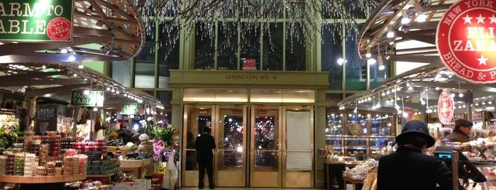 Grand Central Market is one of Lugares donde estuve en el exterior.