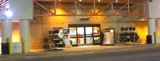 The Home Depot is one of สถานที่ที่ Scott ถูกใจ.