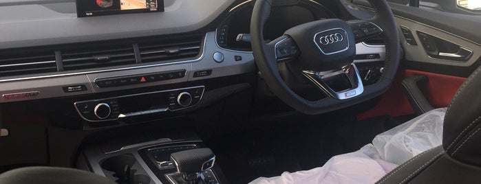 Finchley Road Audi is one of สถานที่ที่ James ถูกใจ.