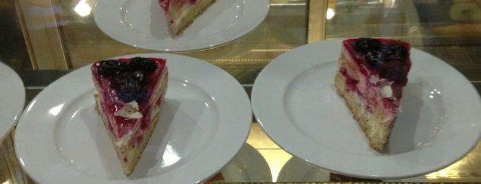 Kalenderhane Cafe & Nargile is one of Posti che sono piaciuti a Doğukan.