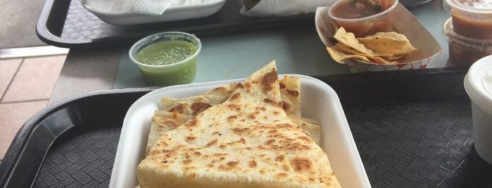 Sayulitas Mexican Food is one of Lieux sauvegardés par K.