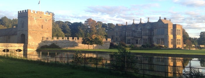 Broughton Castle is one of Locais curtidos por Carl.