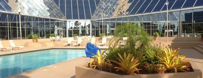 DoubleTree by Hilton is one of Orte, die Bayana gefallen.