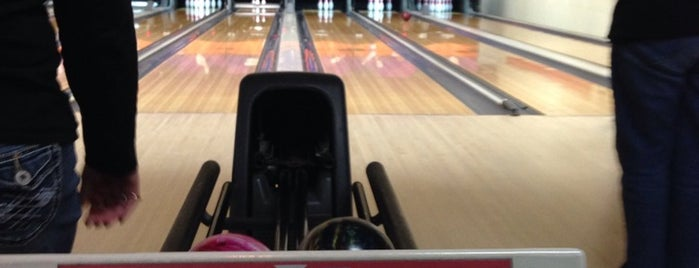 AMF Noble Manor Lanes is one of Pitts.