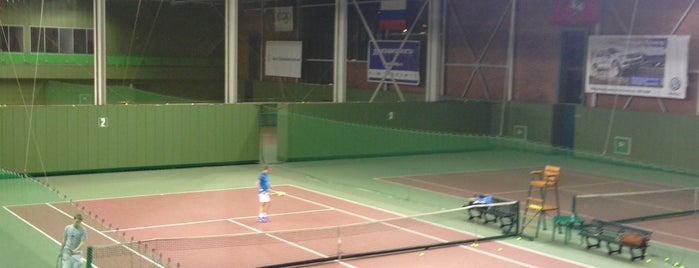 Теннисные корты «Мультиспорт» is one of Orte, die Dmitry gefallen.