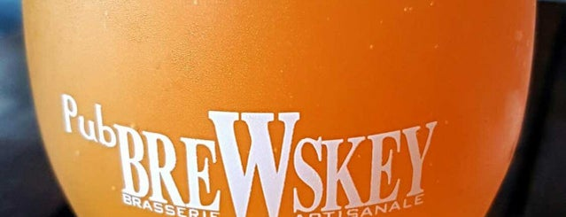 Pub BreWskey is one of Montréal.