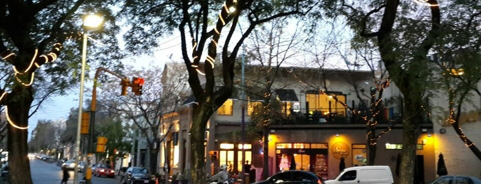 Plazoleta Julio Cortázar (Plaza Serrano) is one of Lo que hacer en Buenos Aires.