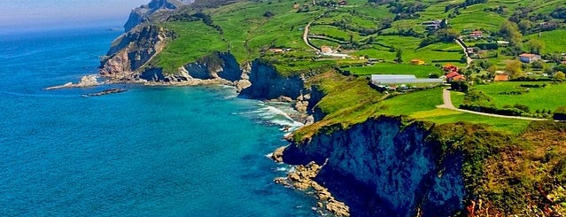 Playa de La Salvé is one of Playas de España: Cantabria.
