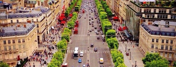 ช็องเซลีเซ is one of Paris: husband's hometown ♥.
