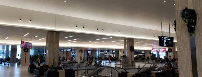 Main Terminal is one of Tempat yang Disukai Sunjay.