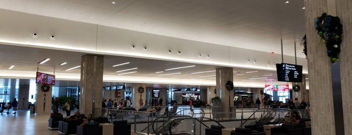 Main Terminal is one of Lugares favoritos de Sunjay.