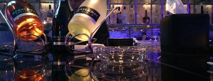 Healey's Bar & Terrace is one of Dubai.