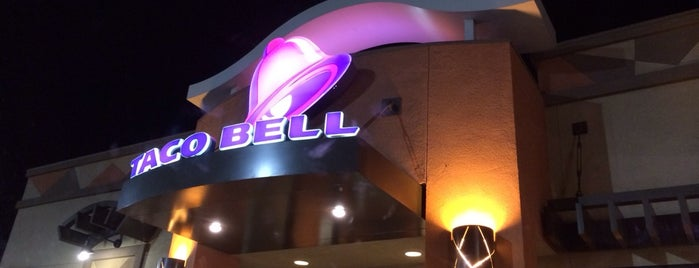 Taco Bell is one of Lugares favoritos de Stephanie.