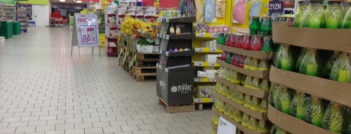 Auchan is one of สถานที่ที่ Alphan ถูกใจ.
