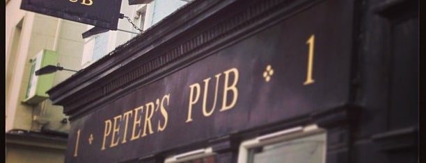 Peter's Pub is one of Posti che sono piaciuti a Richard.
