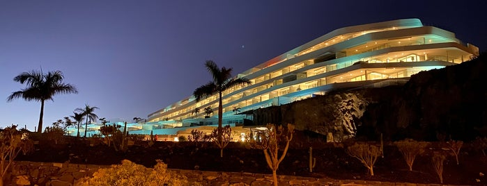 Royal Hideaway Corales Resort is one of สถานที่ที่ Ream ถูกใจ.