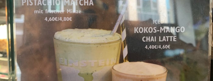 Einstein Kaffee is one of Dimitris 님이 좋아한 장소.