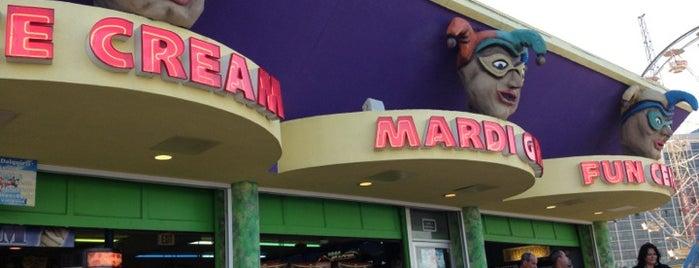 Mardi Gras Arcade is one of Locais curtidos por Tara.