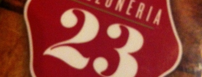 Calzoneria 23 is one of Osvaldo'nun Beğendiği Mekanlar.