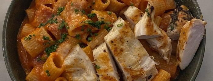 NOMO Kitchen is one of Lugares favoritos de Khalil.