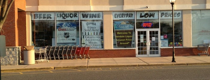 Glendale Liquor Store is one of สถานที่ที่ Saleem ถูกใจ.