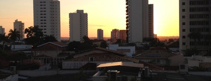Edificio Mariana is one of Enseada orquideas.