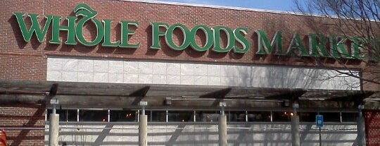 Whole Foods Market is one of Carl: сохраненные места.