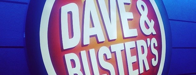 Dave & Buster's is one of Lieux qui ont plu à Alberto J S.