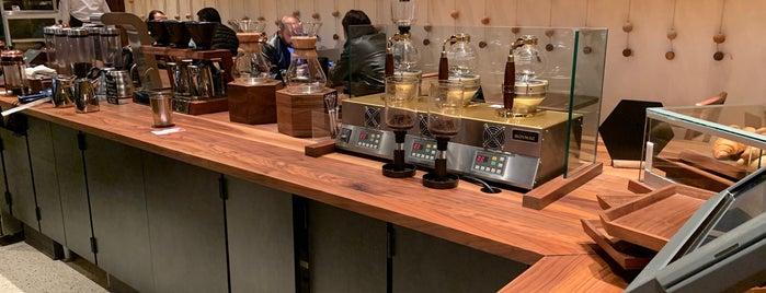 Starbucks Reserve Bar is one of Gespeicherte Orte von Karen 🌻🐌🧡.