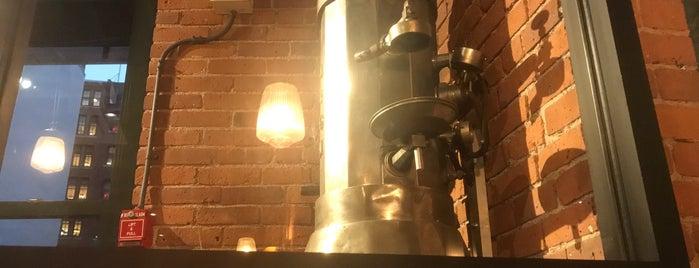 Caffè Nero is one of Posti che sono piaciuti a Al.