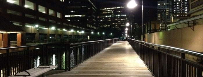 Kendall Waterfront Walkway is one of USA1.